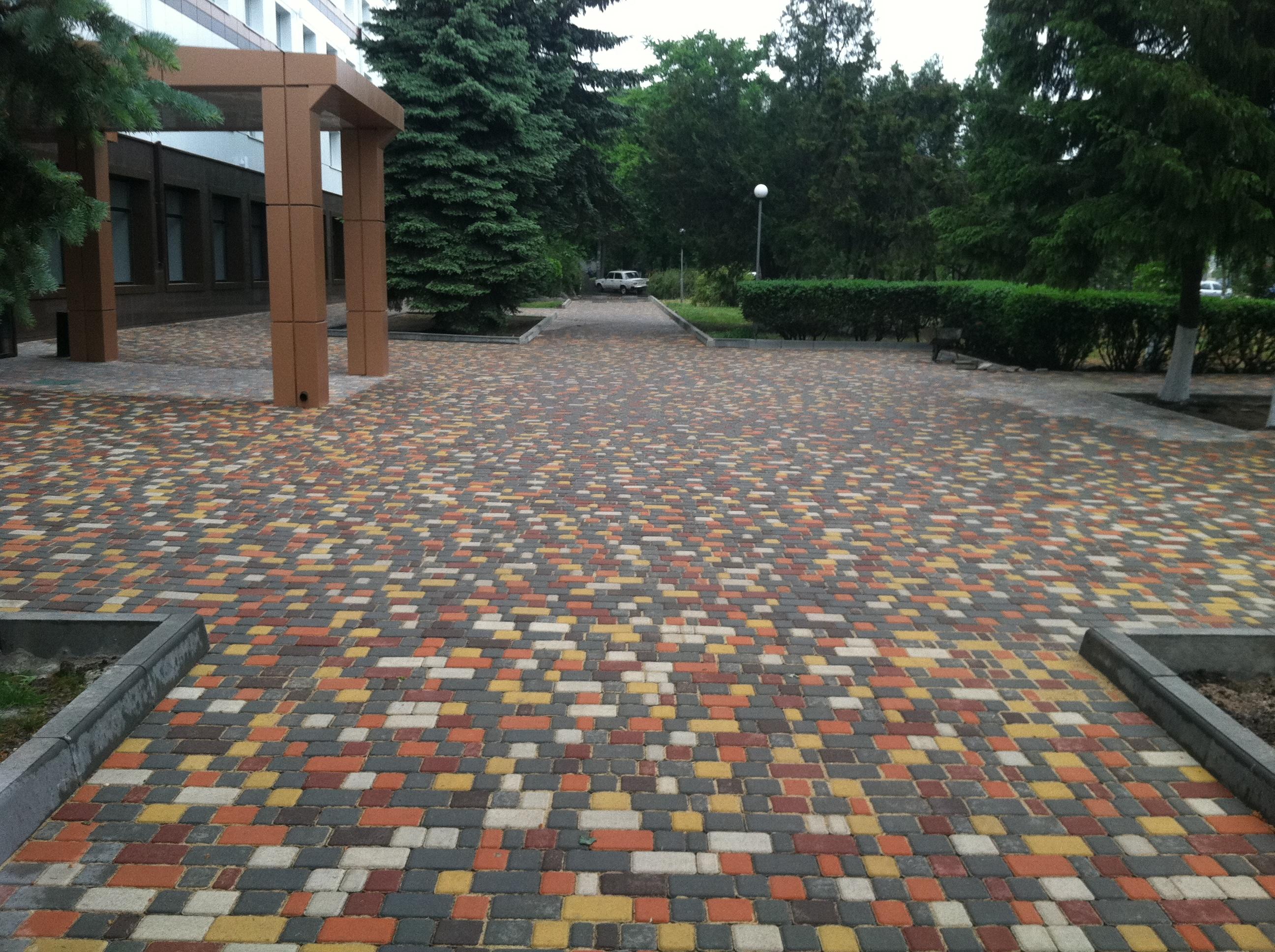 Варианты укладки тротуарной плитки - фото, виды и схемы